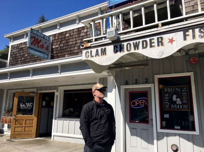 Original Mo's Seafood & Chowder location in Newport, Oregon