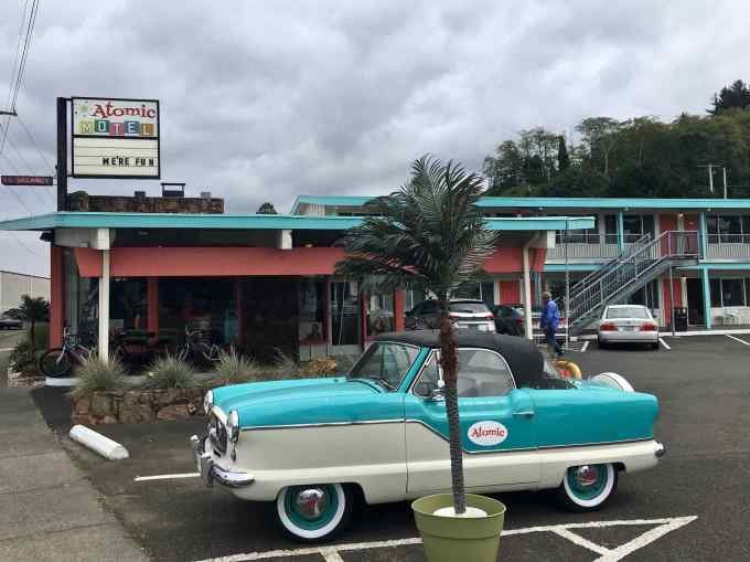 50's Themed Atomic Motel Astoria Oregon