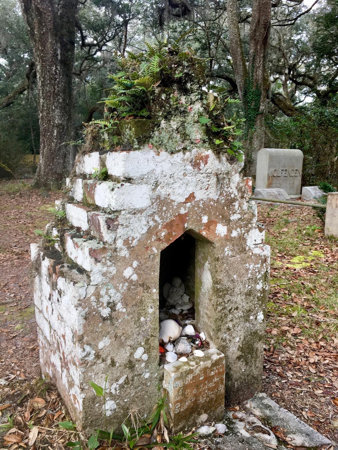 Gravesite in Historic cemetery in Micanopy, Florida