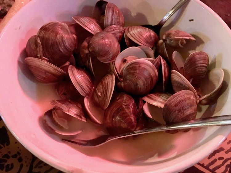 Steamed Cedar Key Clams from Steamers