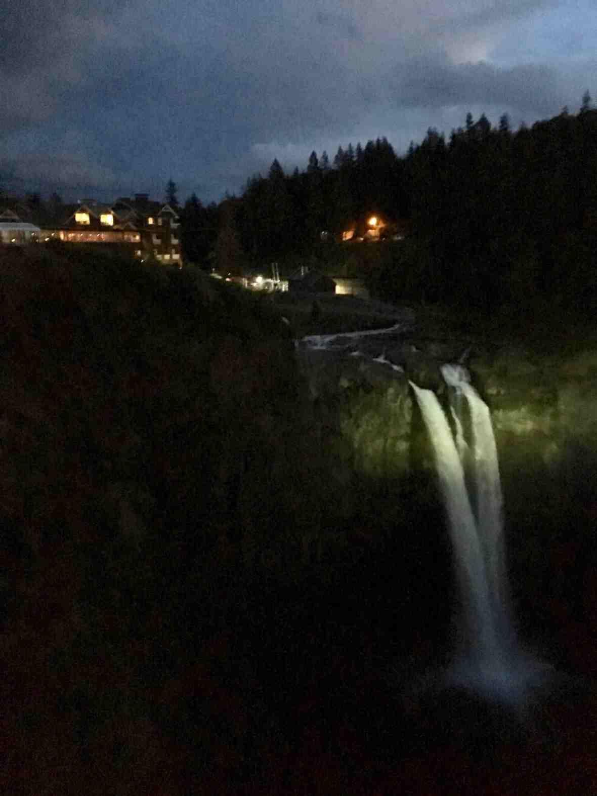 Twin Peaks filming location - Salish Lodge and Snoqualmie Falls,Washington