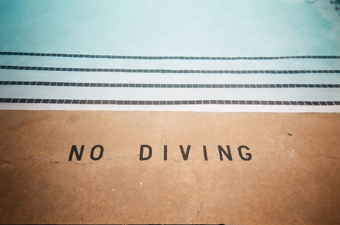 35mm film photo shot with Vivitar PS55s No Diving in this hotel pool