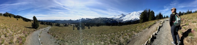 Panorama - Setting out on trail to 3rd Burroughs in Mount Rainier National Park