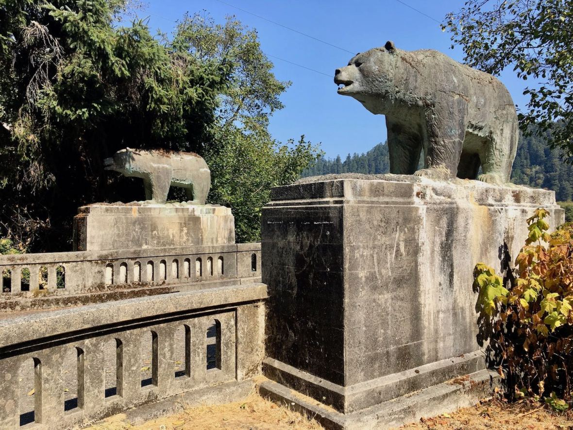 Bear Statues - remains of the Douglas Memorial Bridge in Klamath, California