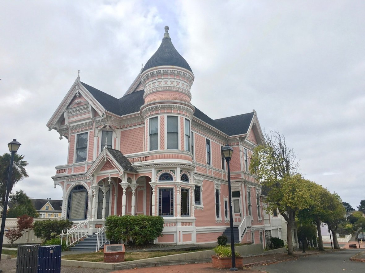 Pink Lady Victorian home in Eureka, California
